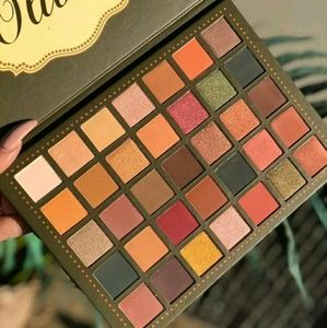 OLIVIA 35 Color Palette by Beauty Creations